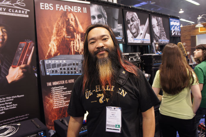 Neil Lim, the manager of In Flames fan club came by to check out the posters with Peter Iwers for the new Fafner II.