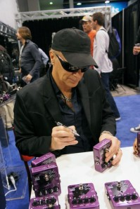 Billy Sheehan will appear for a Signing at EBS on Thursday, 14.00