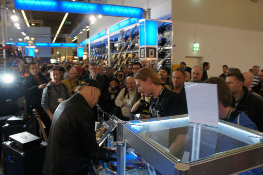 Billy Sheehan Signing at EBS.