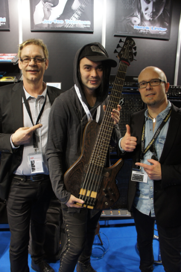 Dirty Loops Henrik Linder with Freddy and Per from True Temperament frets.